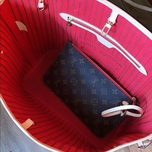 Louis Vuitton Bags - Louis Vuitton neverfull medium bag and clutch